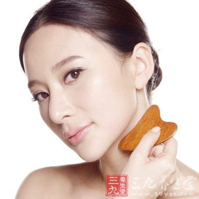 面部刮痧有效美容的刮痧方法