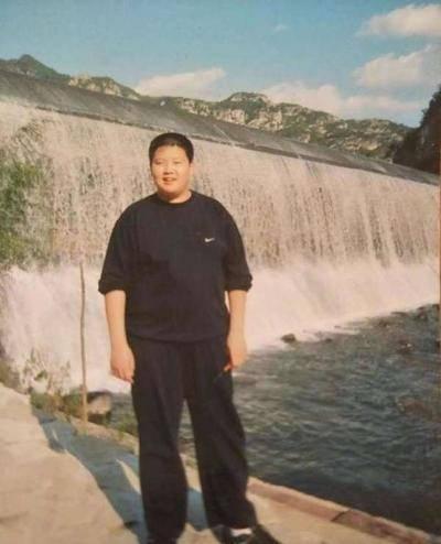 曾经200多斤的小胖子,如今却一路走红成为明星,堪称励志范本!
