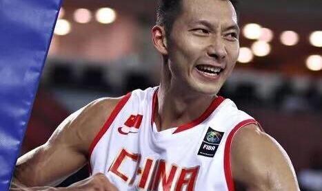 双塔+双控!中国男篮世界杯阵容预测:周鹏或稳坐首发3号位?