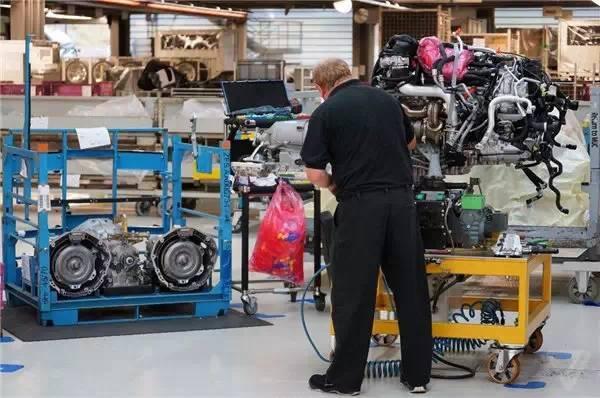 劳斯莱斯工厂内部:连工厂都这么奢华 - 一统江山 - 一统江山的博客