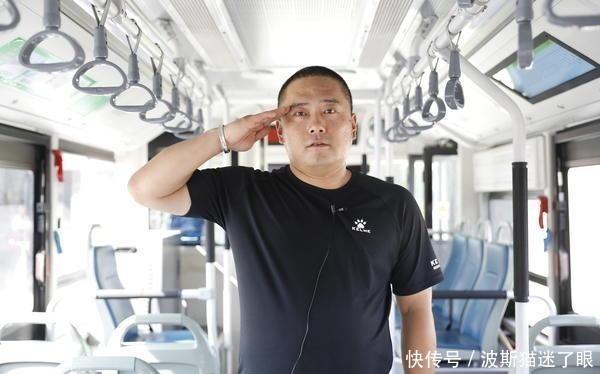 """""""老兵突击队""""燃情献唱""""团结就是力量"""""""