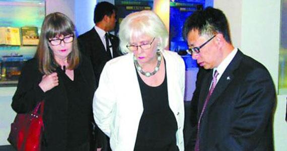 冰岛女总理和夫人访华期间照片