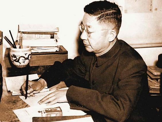 老舍逝世50年:北京作家他最强
