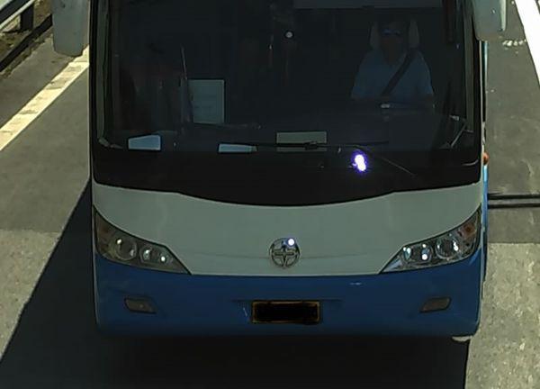亚星客车…… 中空 十字车标是什么车 ……道奇的 车标比如道奇