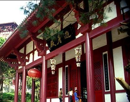 成为西山又一个新风景区,有避暑宫,读书堂,议政殿,武昌楼等汉代风格的