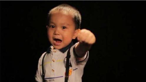 <b>了不起的孩子</b>王恒屹三岁视频