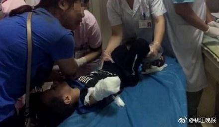 【转】北京时间     4岁男童商场电梯前逆行向上摔倒 手臂被夹断 - 妙康居士 - 妙康居士~晴樵雪读的博客