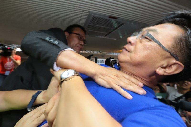 民进党与国民党立委爆发冲突现场 - 周公乐 - xinhua8848 的博客