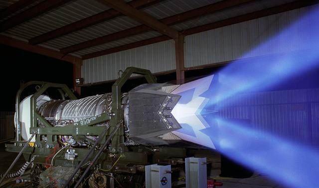 中国航发差距有多远F22战机的发动机运行50万