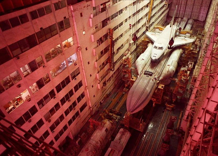 """苏联第一架航天飞机""""苏联暴风雪号航天飞机""""在这里"""