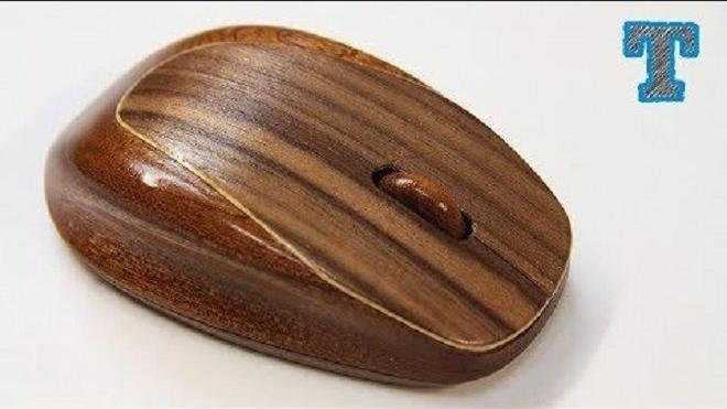 牛人纯手工用木头制作鼠标,这手艺让人称赞!